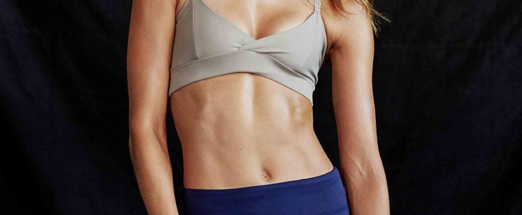 تمرين لتنسيق عضلات المعدة باستخدام المناشف