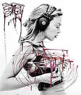 Kylie Minogue Creates Nail Polish Painting 2009-11-12 14:00:11