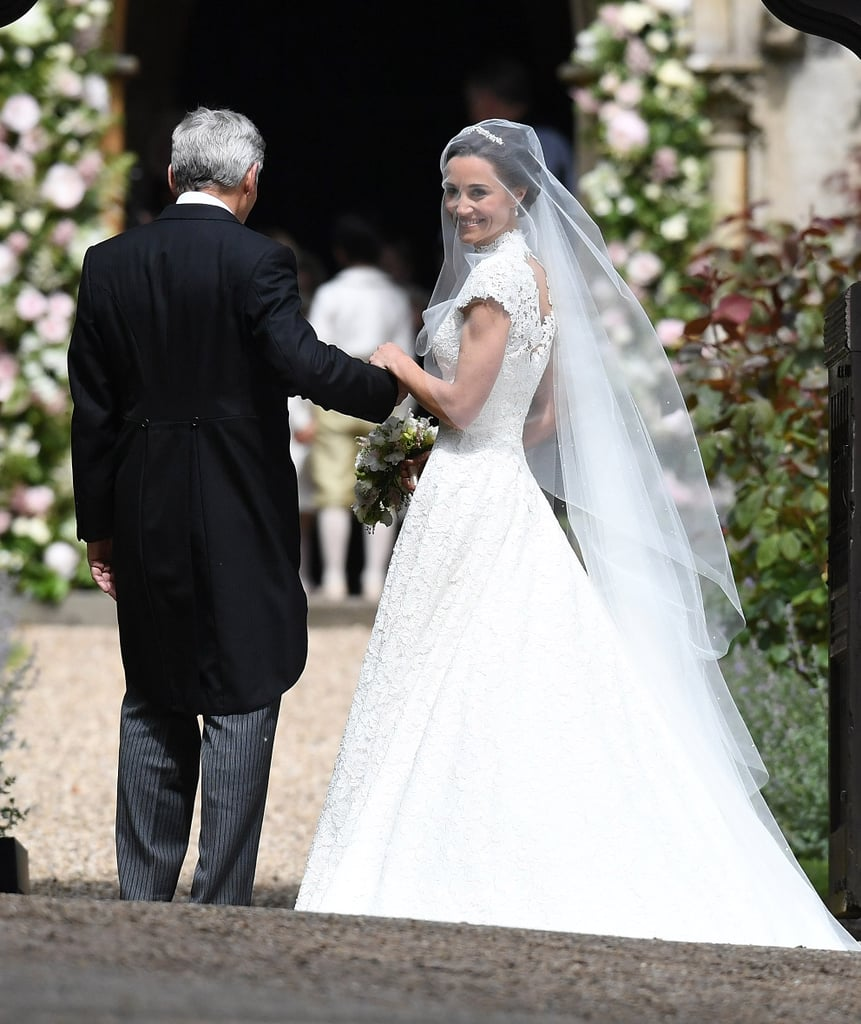 Pippa middleton 39 s wedding dress popsugar fashion photo 2 for Wedding dress like pippa middleton