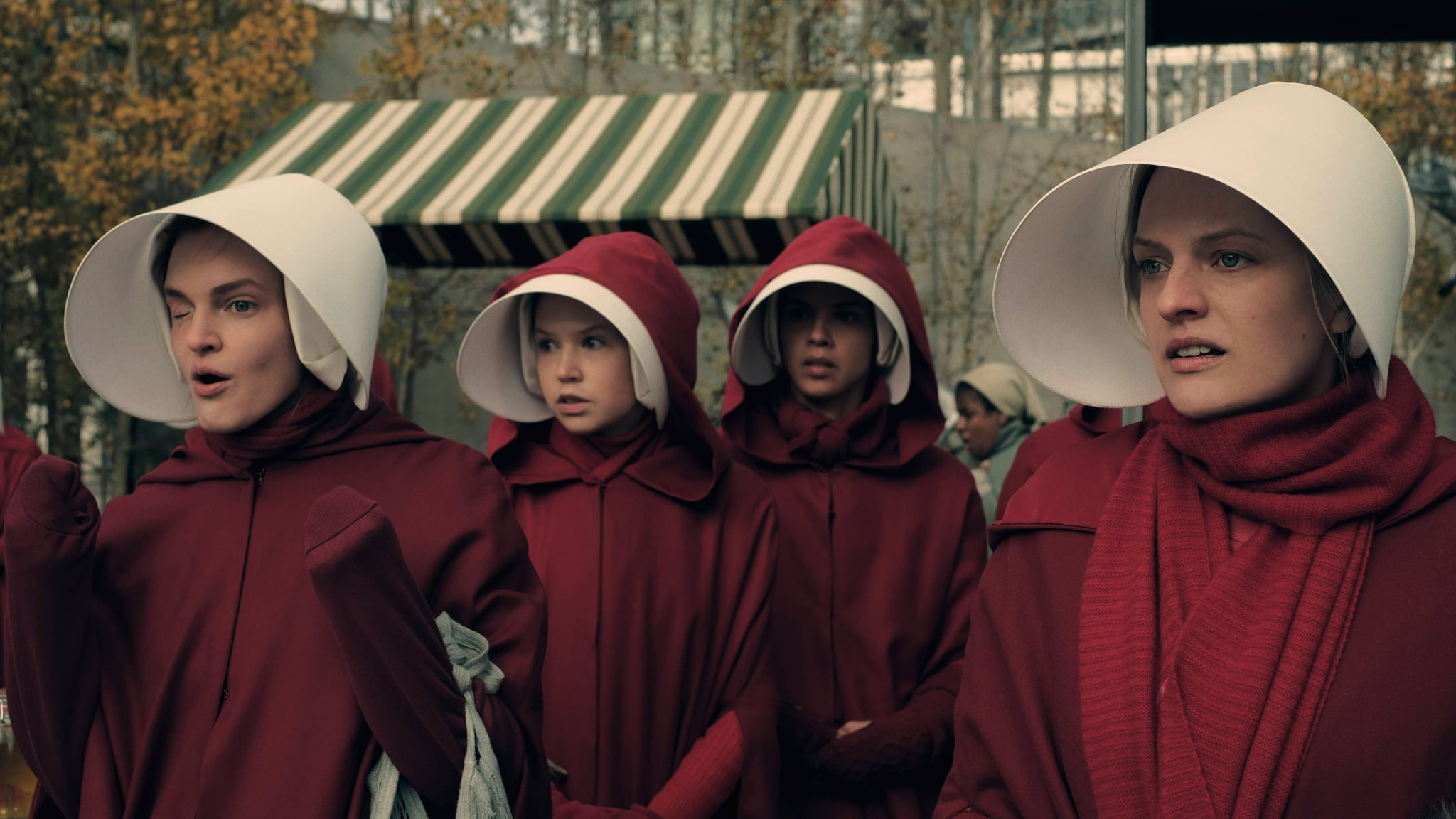 THE HANDMAID'S TALE, Madeline Brewer (left), Elisabeth Moss (right), 'Faithful', (Season 1, ep. 105, aired May 10, 2017). photo: George Kraychyk / Hulu / Courtesy: Everett Collection