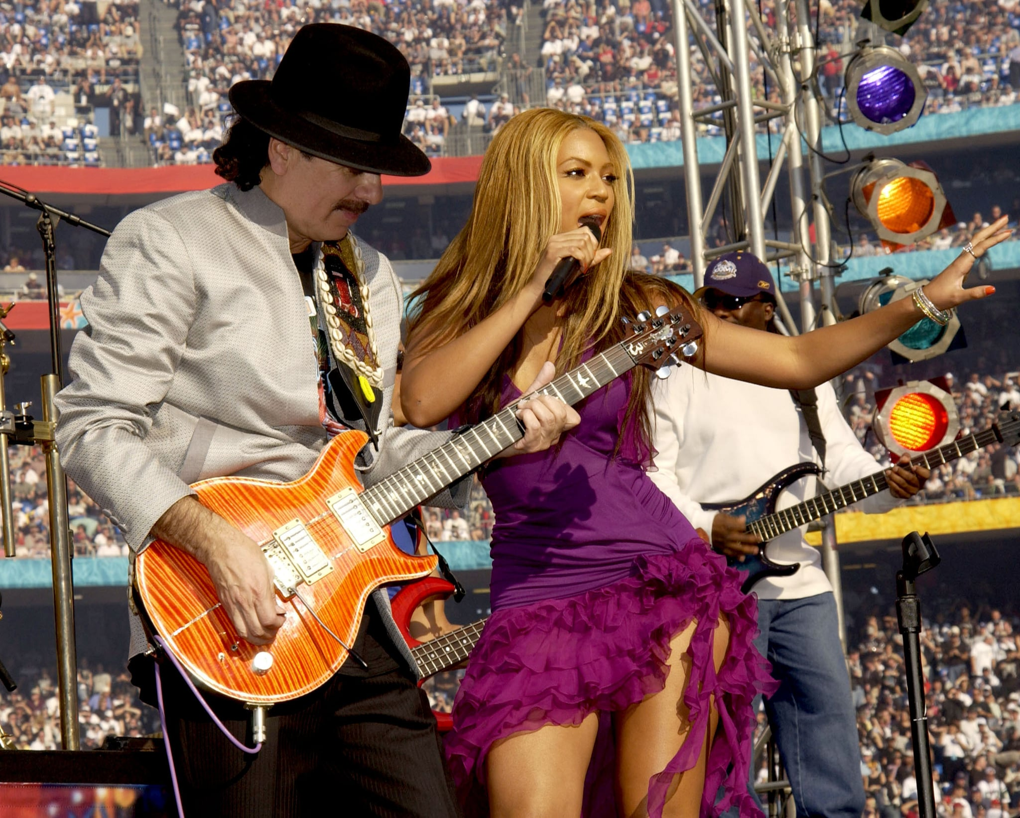 Carlos Santana Apologizes For Beyonce Comment