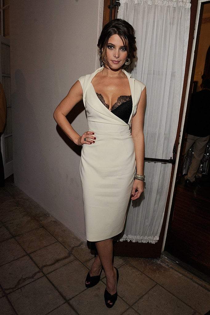 Ashley Greene, what a stunner in this ivory dress with peekaboo bra by Antonio Berardi. Oh sexy girlfriend . . .