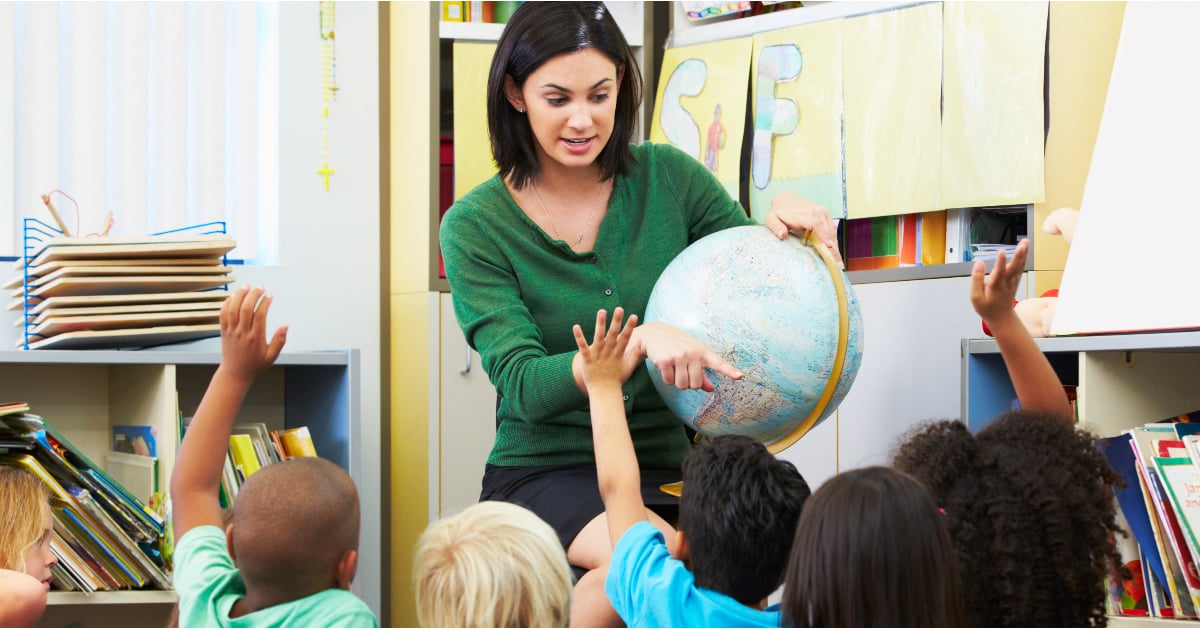 8/18/168/31/15POPSUGARMomsTeachersThings to Consider About Your Child's Teacher5 Things to Consider About Your Child's Teacher This YearAugust 31, 2015 by Laura Lifshitz71 SharesIt's time for back to school, and as we hope for a social, happy, and academically successful year for our children, let's take a minute to think about our children's teachers. Not every teacher that our children have throughout the years will be our favorite. Some we will love, some we may hate, and others we may feel indifferent toward. Of course, if your child does have a poor teacher, you should speak your mind about this professional to the principal and potentially the superintendent. Not all teachers are created equal.However, before you've made your judgments — whether good or bad — about the teacher this year, consider these five things about the new teacher.ADVERTISEMENTThey Work After the Bell RingsPeople like to think that teachers have it easy. After all, they get Summers off and end their workdays by 3 p.m. at the la - 웹