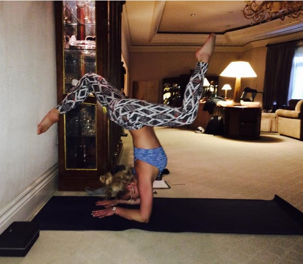 Britney Spears Yoga Handstands | Photos