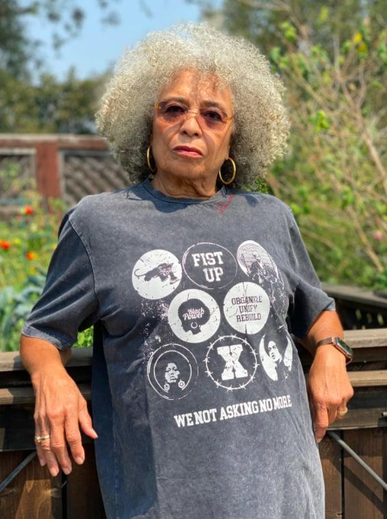 "Angela Davis X Renowned ""Heroes Of Blackness"" Tee"