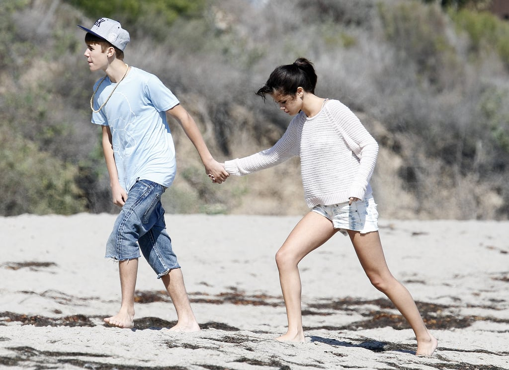 Justin Bieber And Selena Gomez Beach Kissing