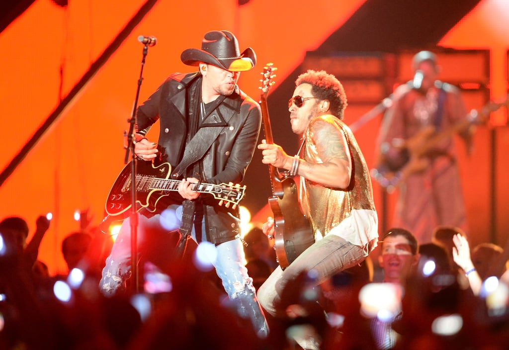 Lenny Kravitz performed with host Jason Aldean.