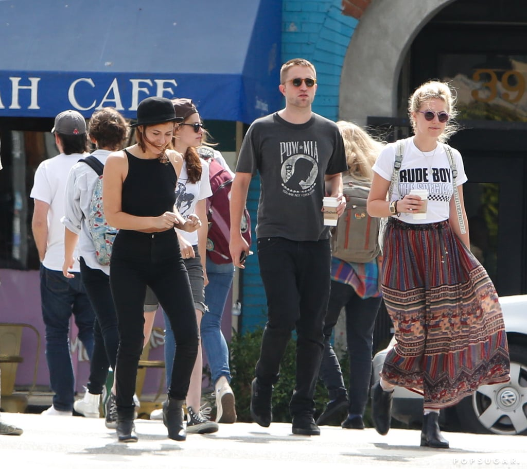 Kristen Stewart and Robert Pattinson Hold Hands (Photos)