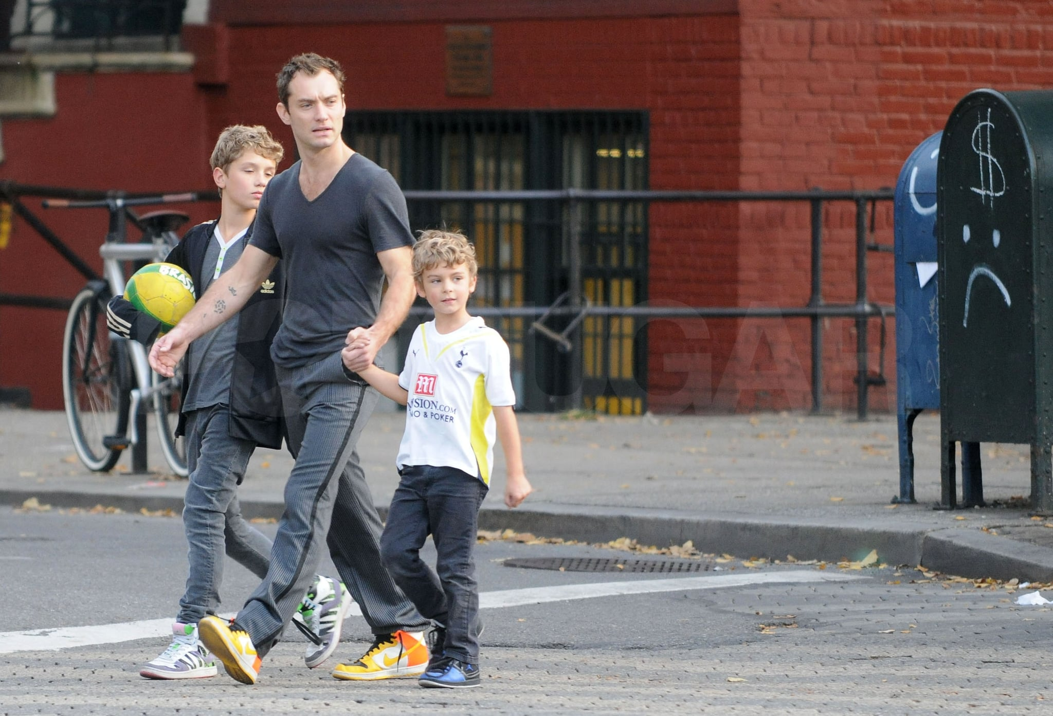 Photos Of Jude Law With Sons Rafferty And Rudy While Baby