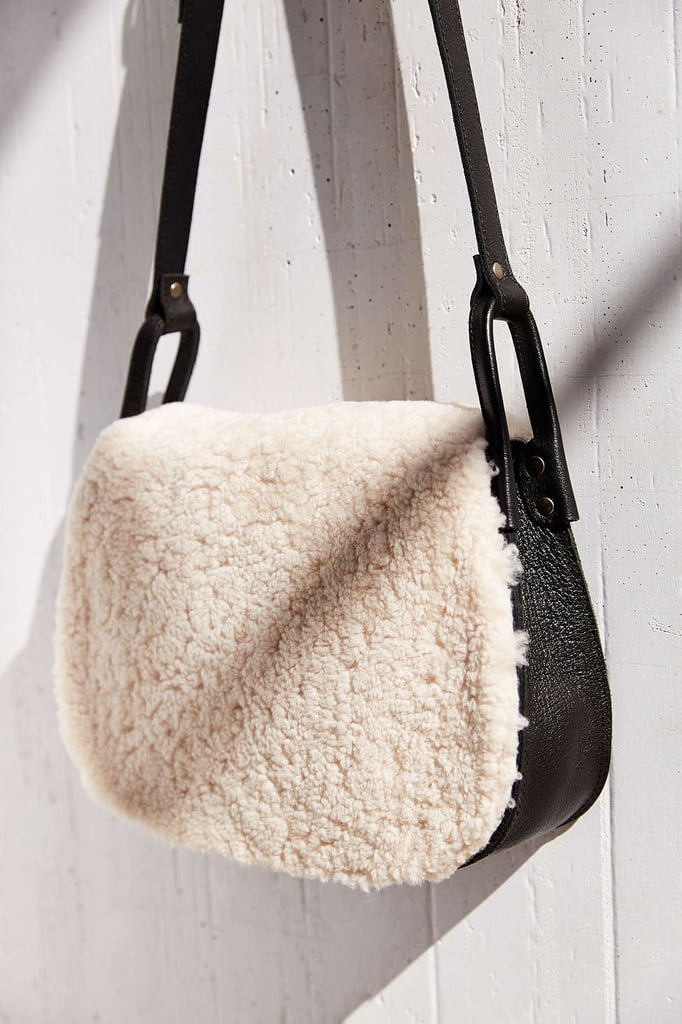 ef0e0b567881 Ecote Shearling Saddle Bag