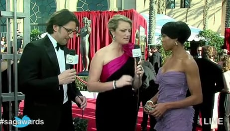 Regina King looking gorgeous in her lilac Alberta Ferretti dress. Twitter User: courtjustice