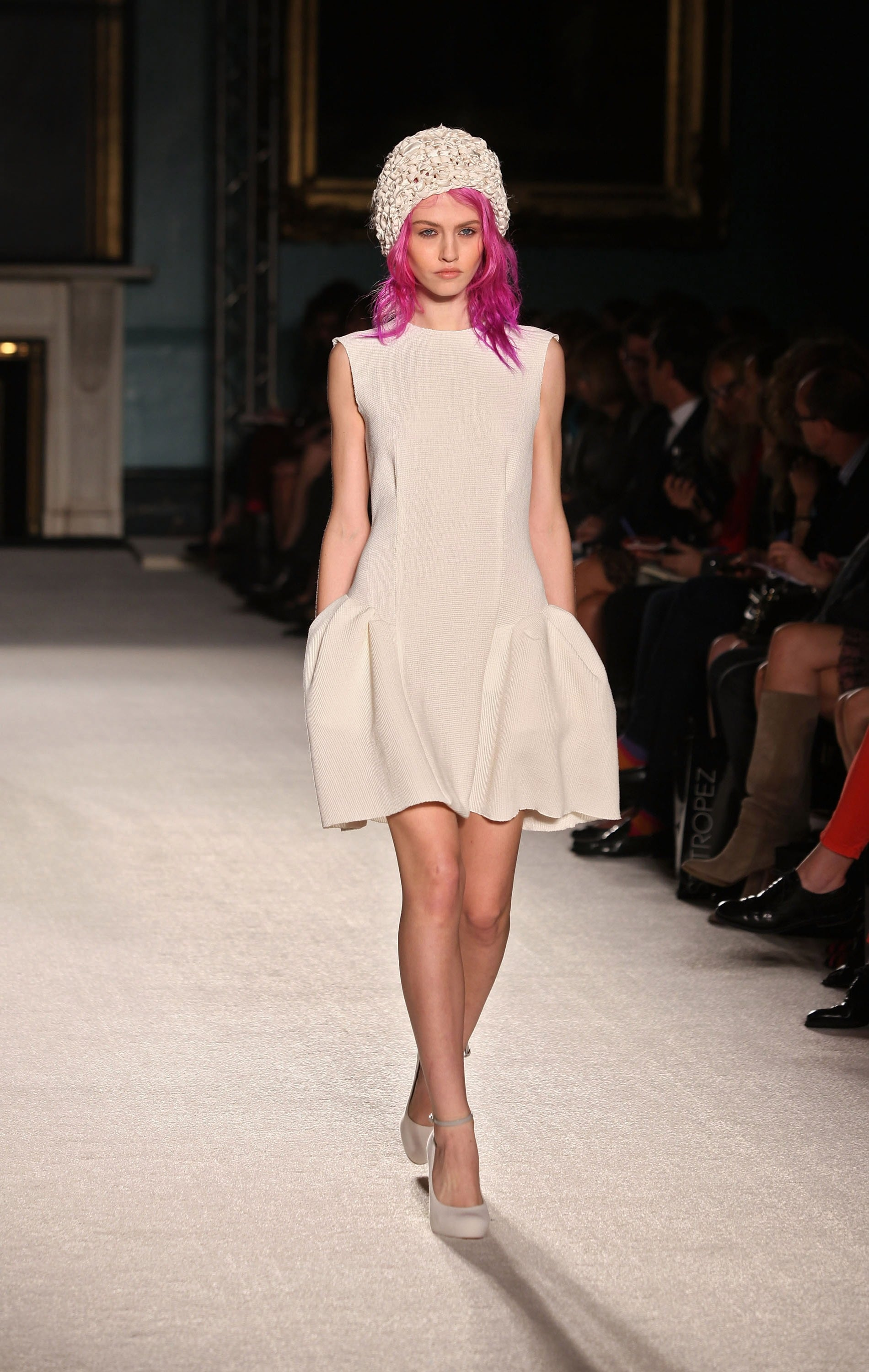 Review and Pictures of Roksanda Ilincic Runway Show at ...
