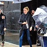 When Cameron Diaz Had Not 1 But 2 Professional Umbrella Holders