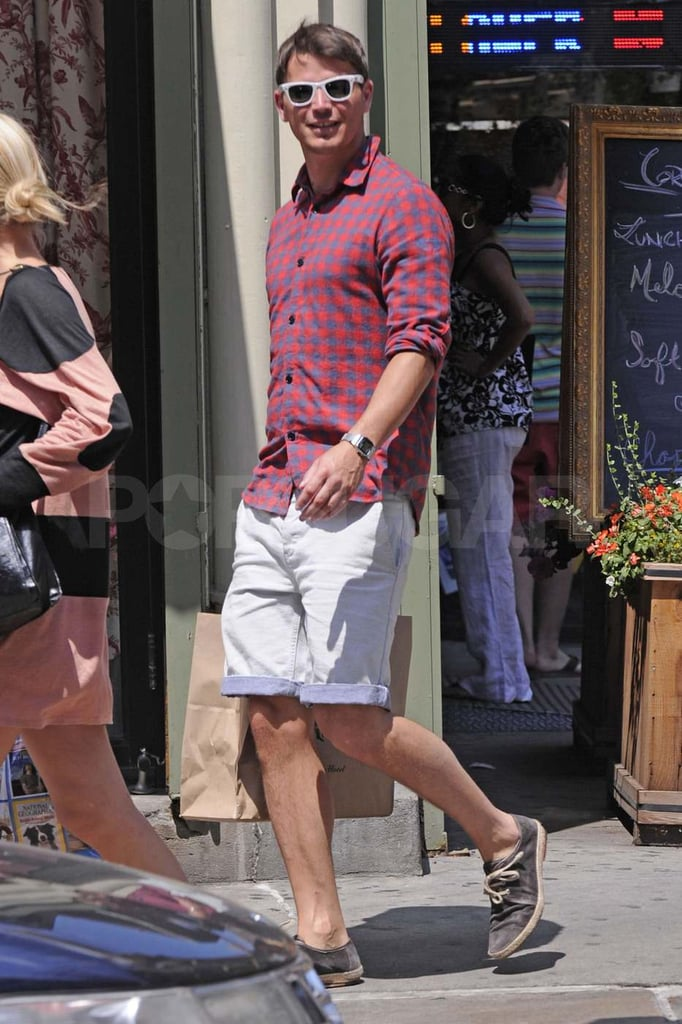 Josh Hartnett wears plaid in NYC.