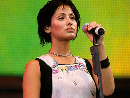 VIDEO: #FlashbackFriday: Natalie Imbruglia Dishes on the Making of Her Hit '90s Music Video, 'Torn'