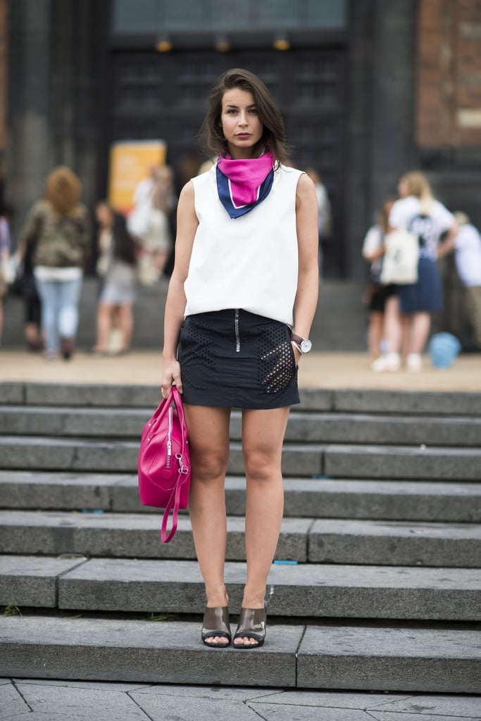 Coordinating pink bright pink accents add up to a big win here. Source: Le 21ème | Adam Katz Sinding