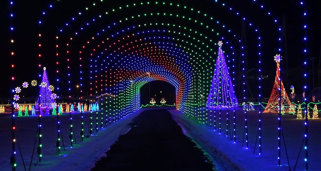 These Epic Holiday Light Shows Are Must See