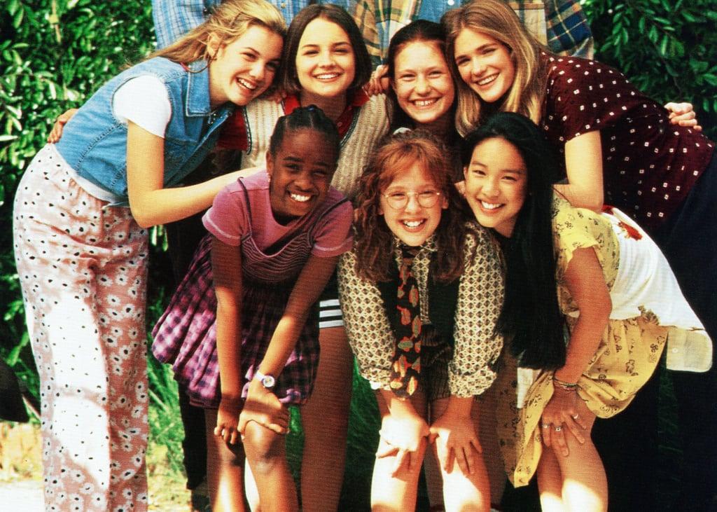 Zelda Harris (front left) as Jessi Ramsey