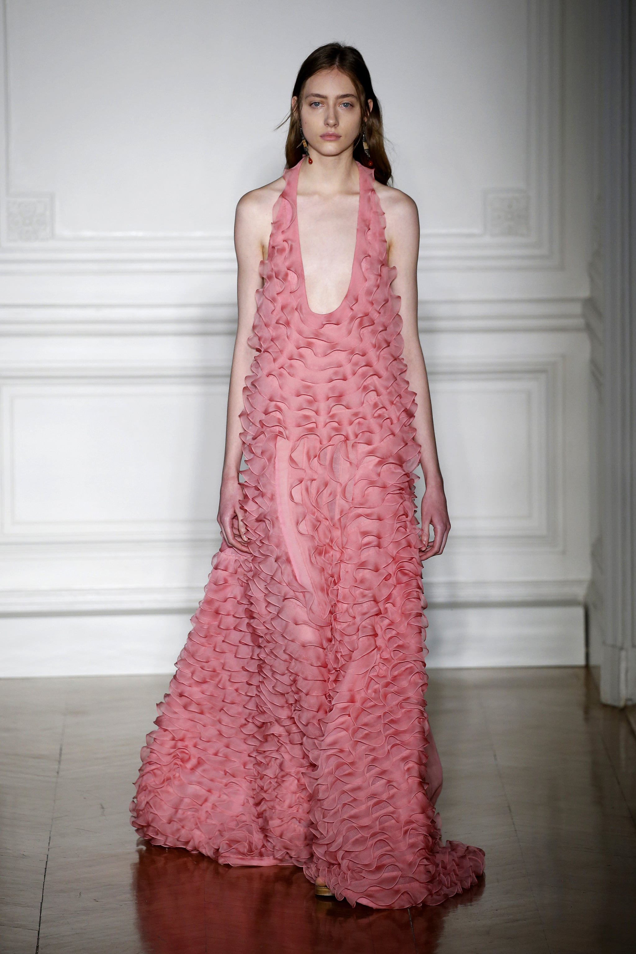 Valentino haute couture spring 2017 the colour pink has for Haute couture definition
