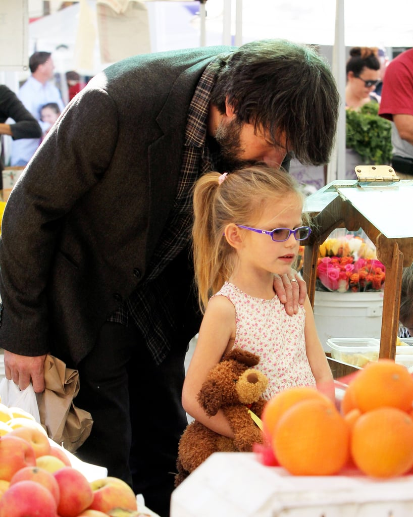 Ben Affleck kissing Violet.