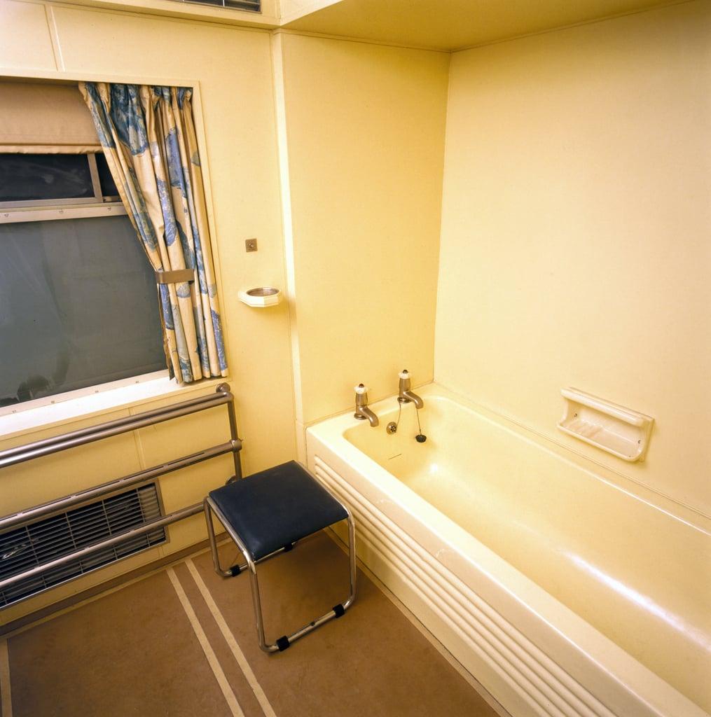 George VI's Bathroom