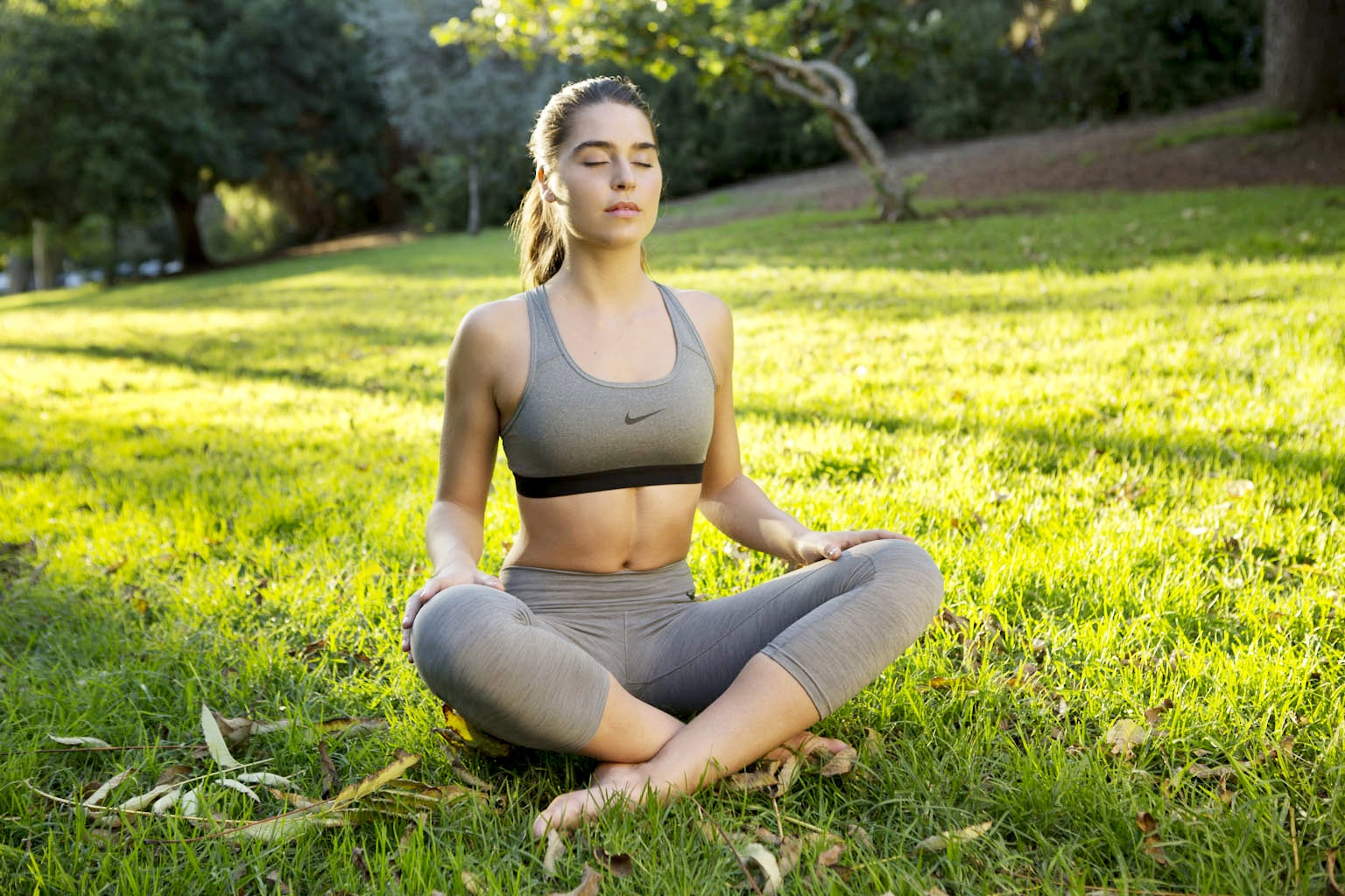 3 Short (and Easy) Meditations That Are Designed to Help You Lose Weight