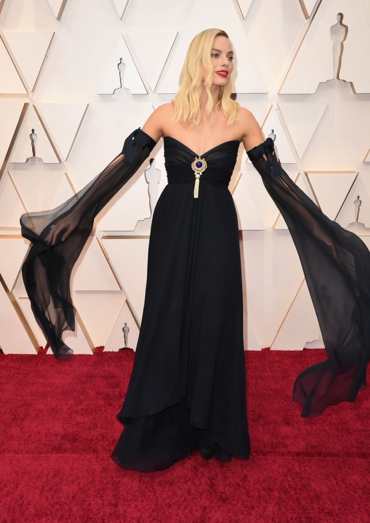 Margot Robbie S Vintage Chanel Dress At The Oscars 2020