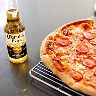 أفضل طريقة لتسخين البيتزا المجمدة