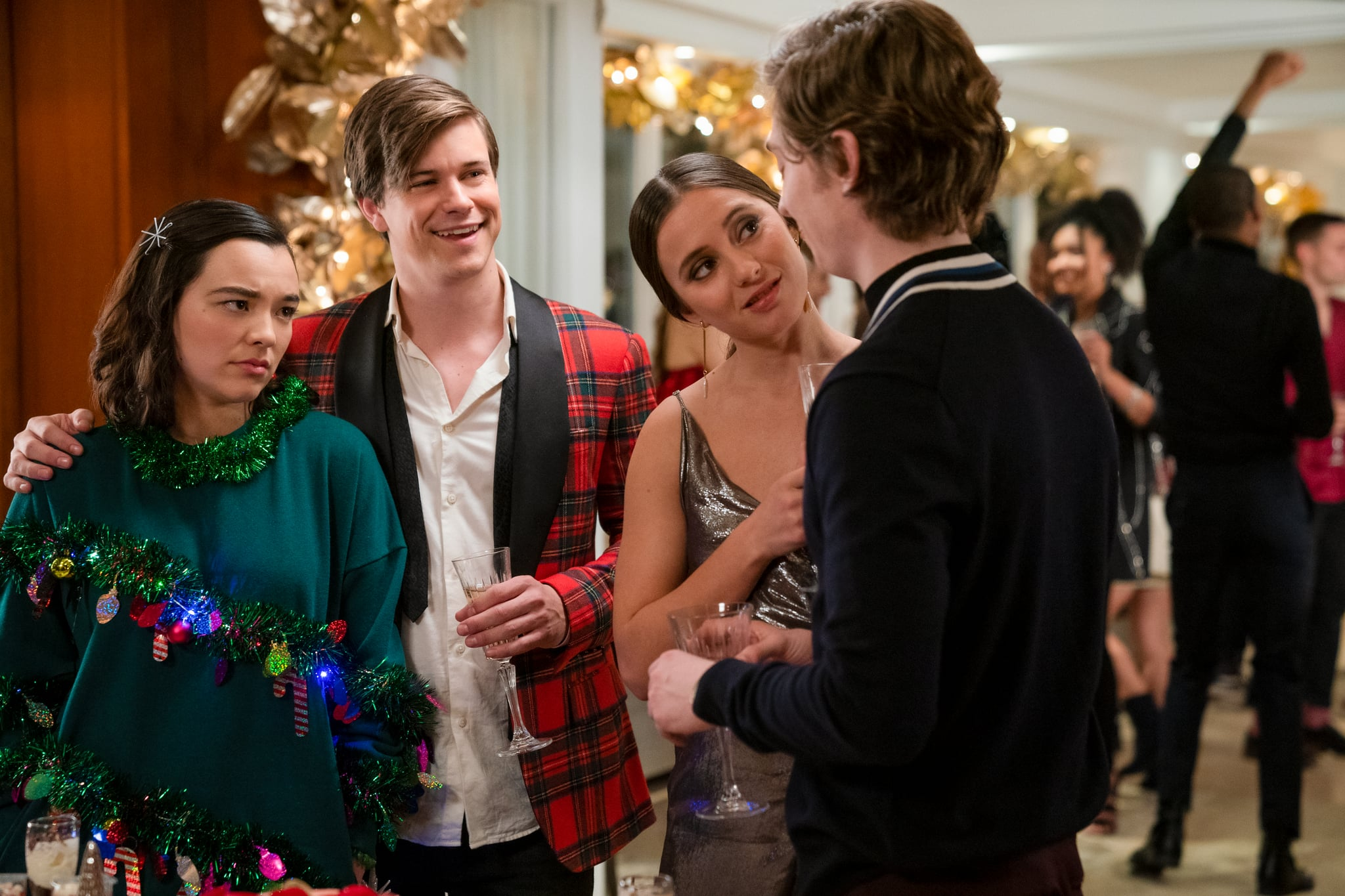 DASH AND LILY (L to R) MIDORI FRANCIS as LILY, GLENN MCCUEN as EDGAR, KEANA MARIE ISSARTEL as SOPHIA and AUSTIN ABRAMS as DASH in episode 106 of DASH AND LILY Cr. ALISON COHEN ROSA/NETFLIX  2020
