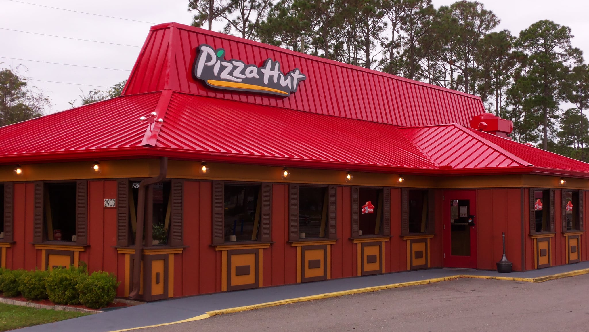 pizza hut 8 essay Based on over 4,000 votes, pepperoni is ranked number 1 out of 109 choices agree disagree place your vote on the top 10 list of favorite pizza toppings.