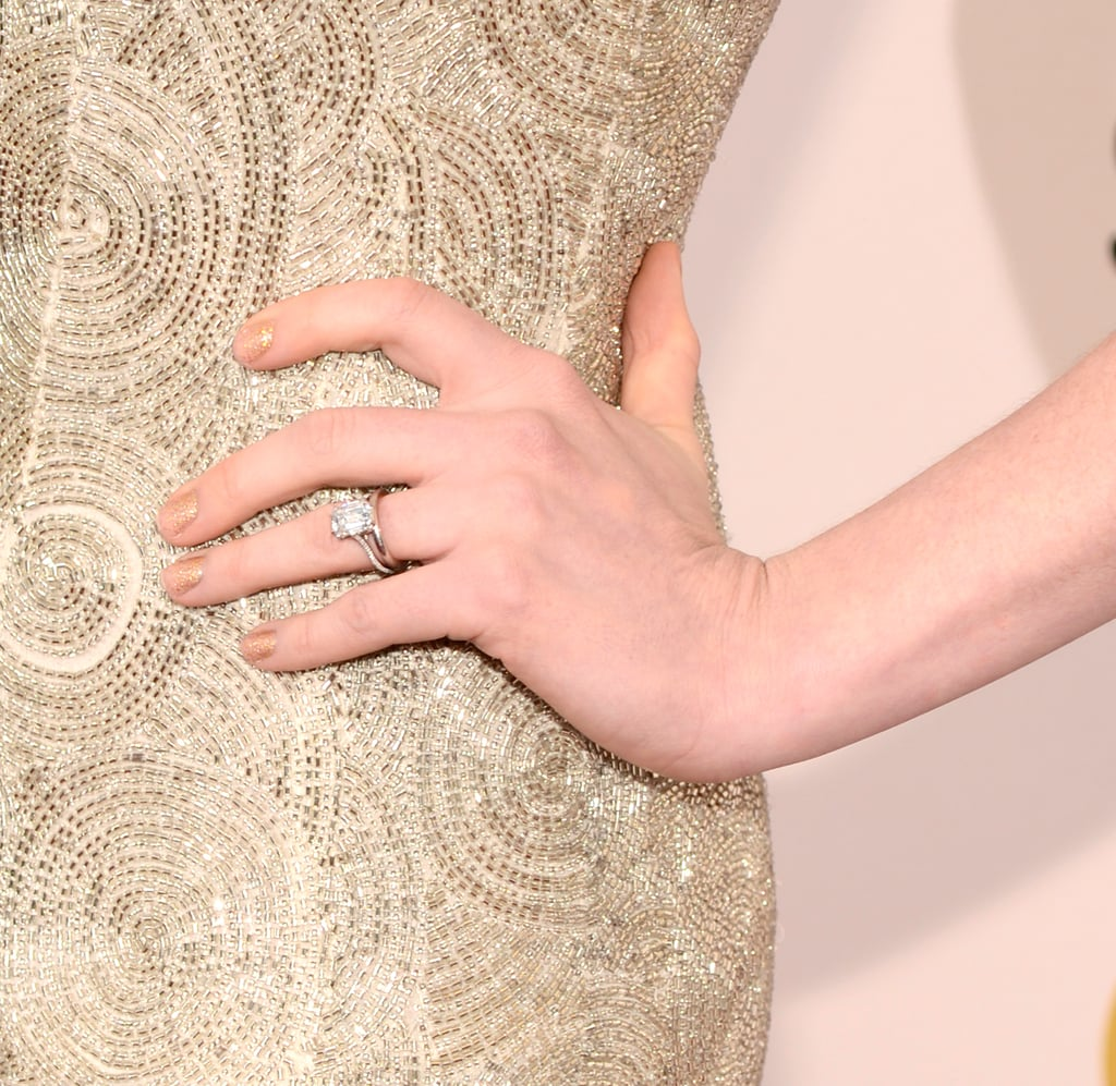 Anne Hathaways wedding ring was on display Anne Hathaway at