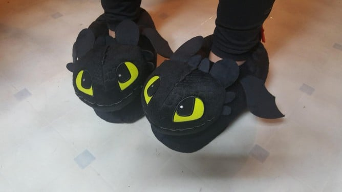 Amazon Sells Toothless Slippers For How to Train Your Dragon Fans — His Eyes Are Too Cute!