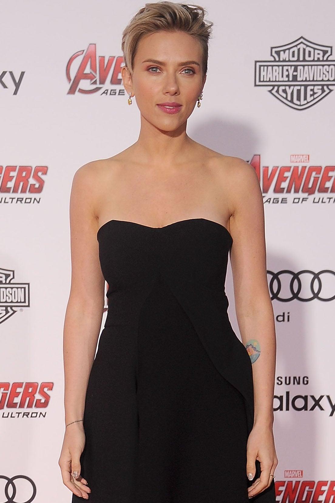 Scarlett Johansson As Natasha Romanoff Black Widow Brush