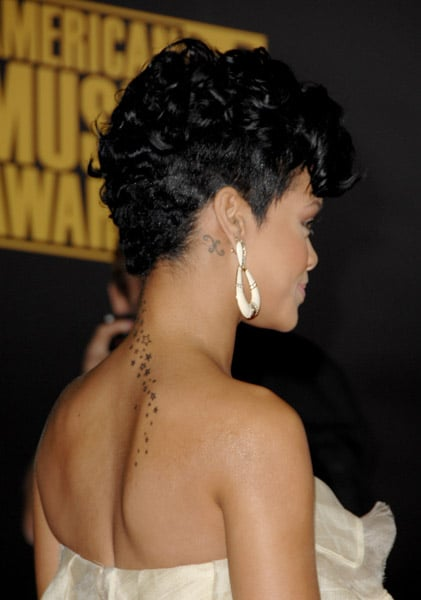 rihanna hair style carpet photos of american awards including 8903