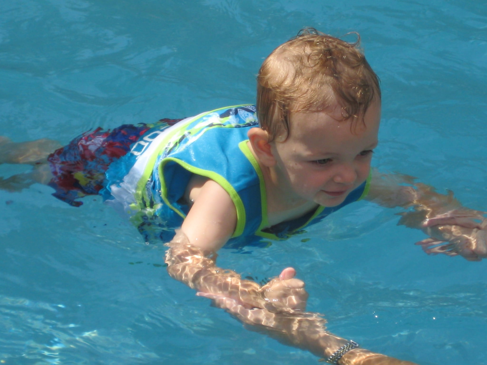 """Parents Can Prevent """"Dry Drowning"""" by Following This 1 Rule While Their Kids Are Swimming"""