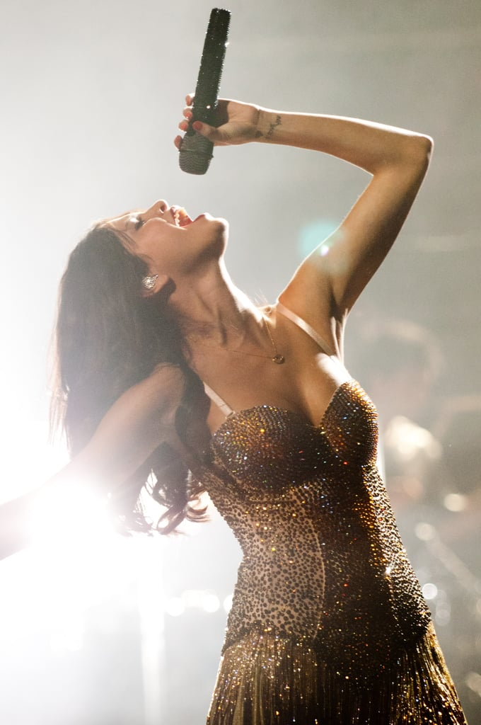 """Selena Gomez Enjoys Deep-Dish Pizza, but Stays Healthy With """"A Lot of Subway"""" on Tour"""