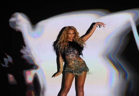 Video of Beyonce Knowles' Sexy Performance of Run the World (Girls) at 2011 Billboard Music Awards