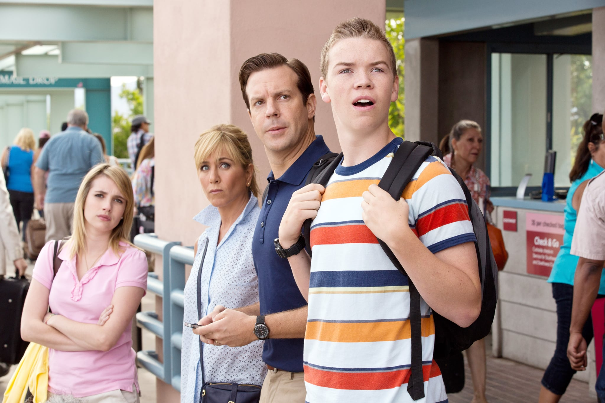 WE'RE THE MILLERS, l-r: Emma Roberts, Jennifer Aniston, Jason Sudeikis, Will Poulter, 2013, ph: Michael Tackett/Warner Bros. Pictures/courtesy Everett Collection