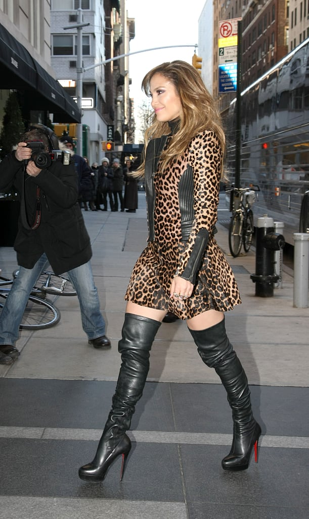 huge selection of d2fee 1f872 Jennifer Lopez walked in NYC wearing a pair of Christian ...