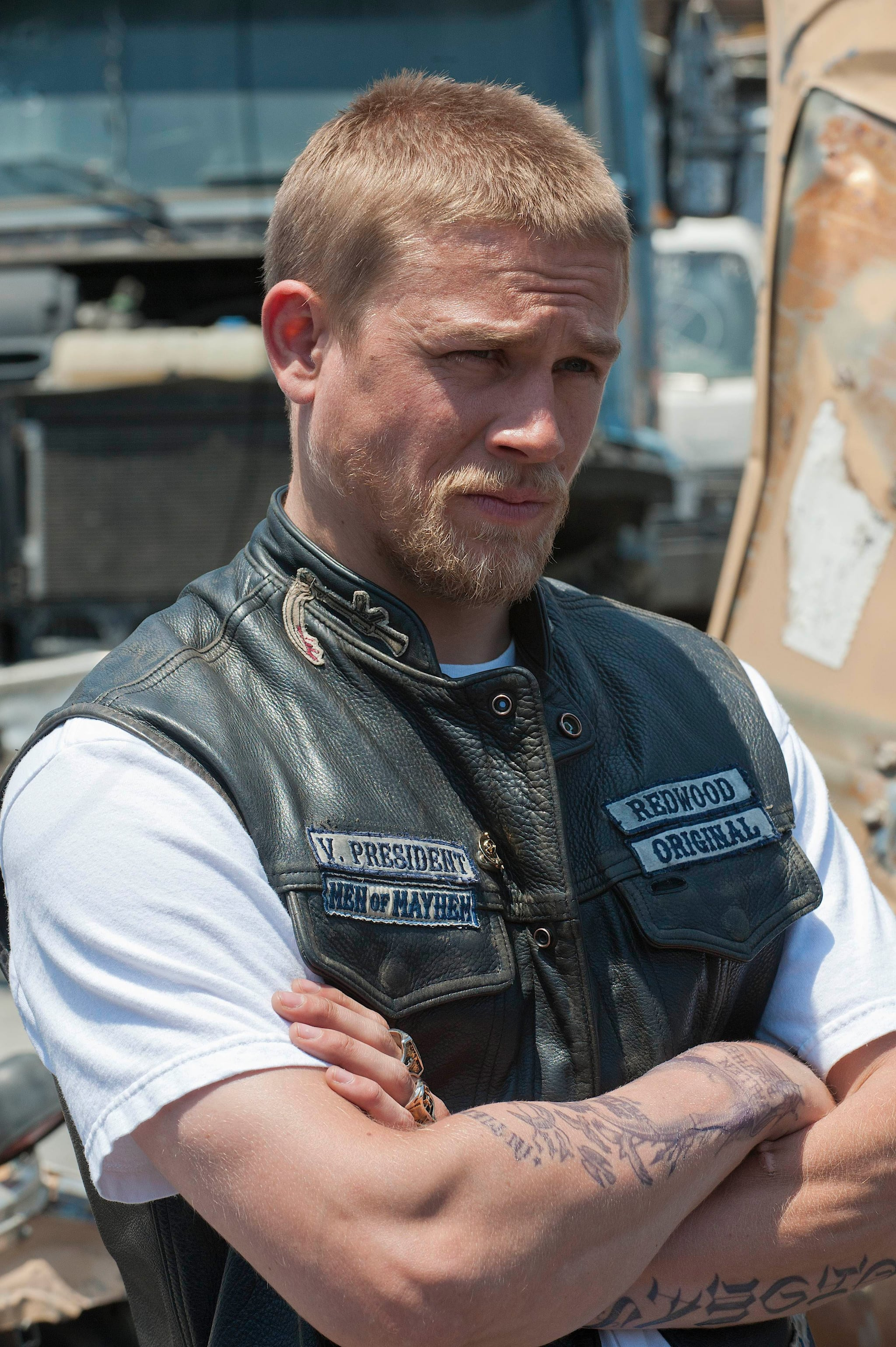 Movies Tv Music 25 Pictures Of Charlie Hunnam On Sons Of Anarchy That Are Nothing Short Of Badass Popsugar Entertainment Photo 17