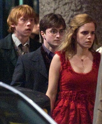 Watch Official Teaser Trailer For Harry Potter and the Deathly Hallows