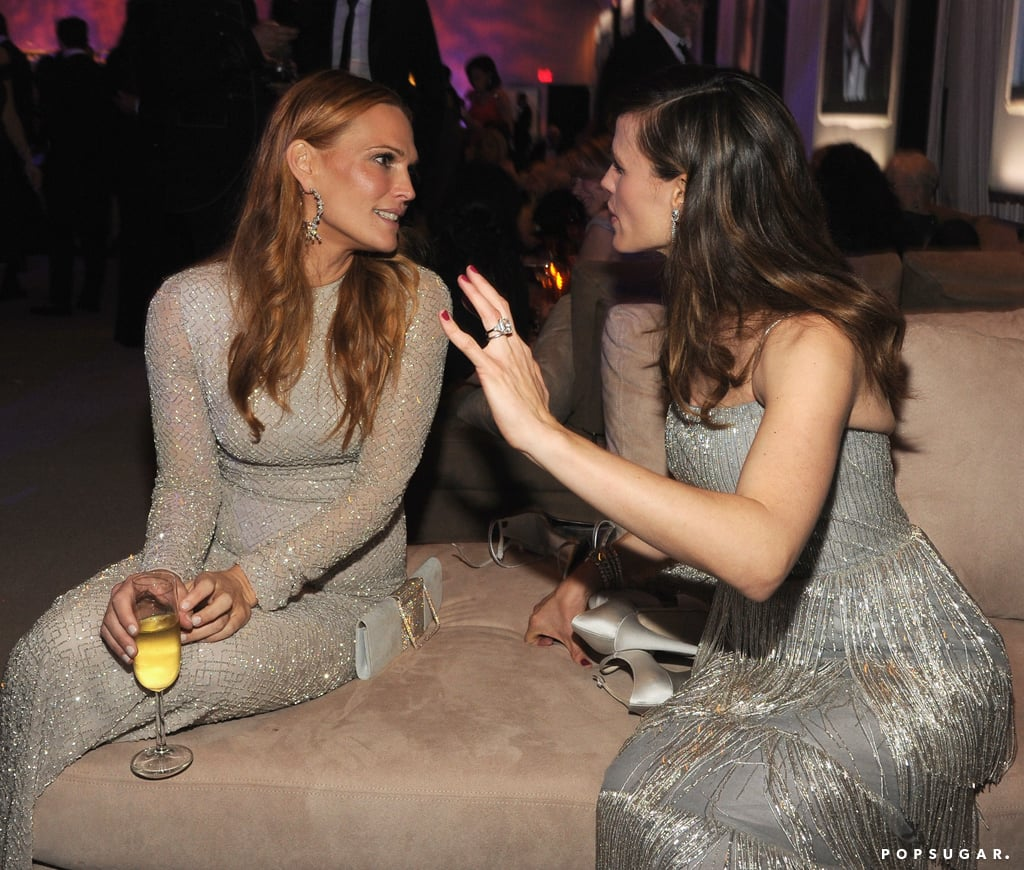 Molly Sims and Jennifer Garner had a serious sit-down.