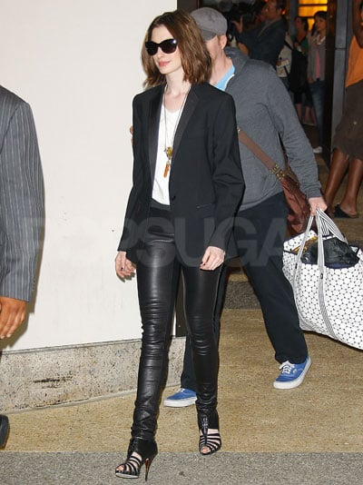 anne hathaway leaves trl in leather pants