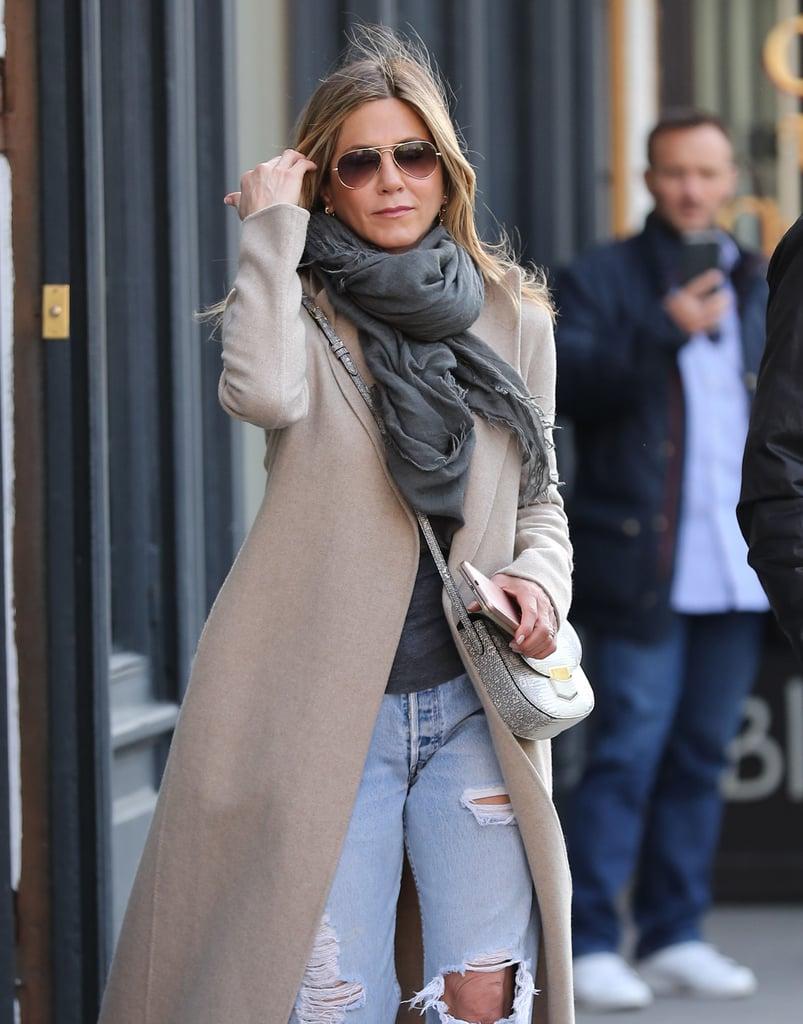 Jennifer Aniston Ripped Boyfriend Jeans Popsugar Fashion