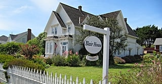Amateur Detectives Unite: Murder, She Wrote Fans Can Officially Sleep in J.B. Fletcher's House