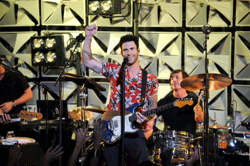 A Fan Attacks Adam Levine on Stage — and His Reaction Is Perfect
