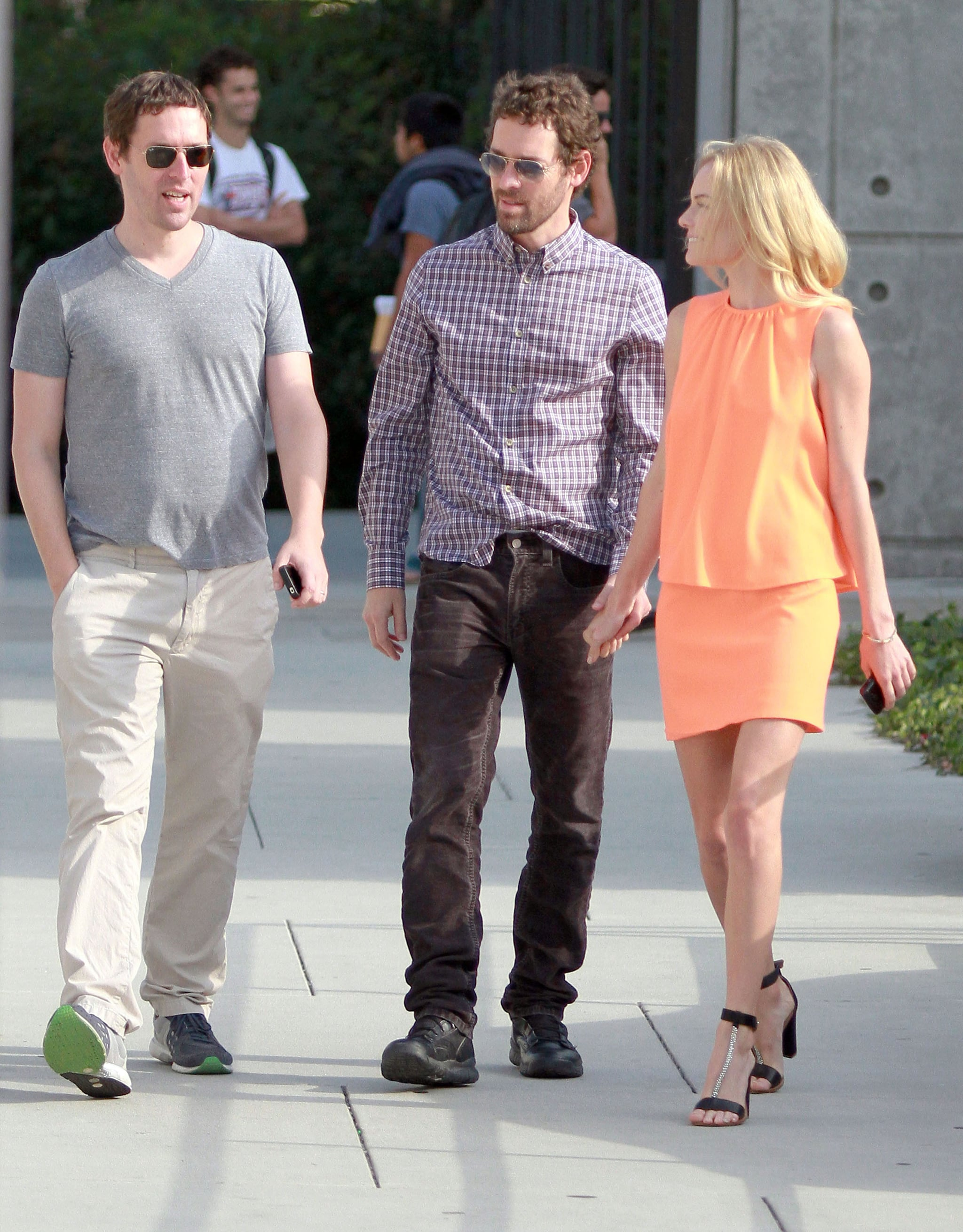 Kate Bosworth and Michael Polish chat with a friend.