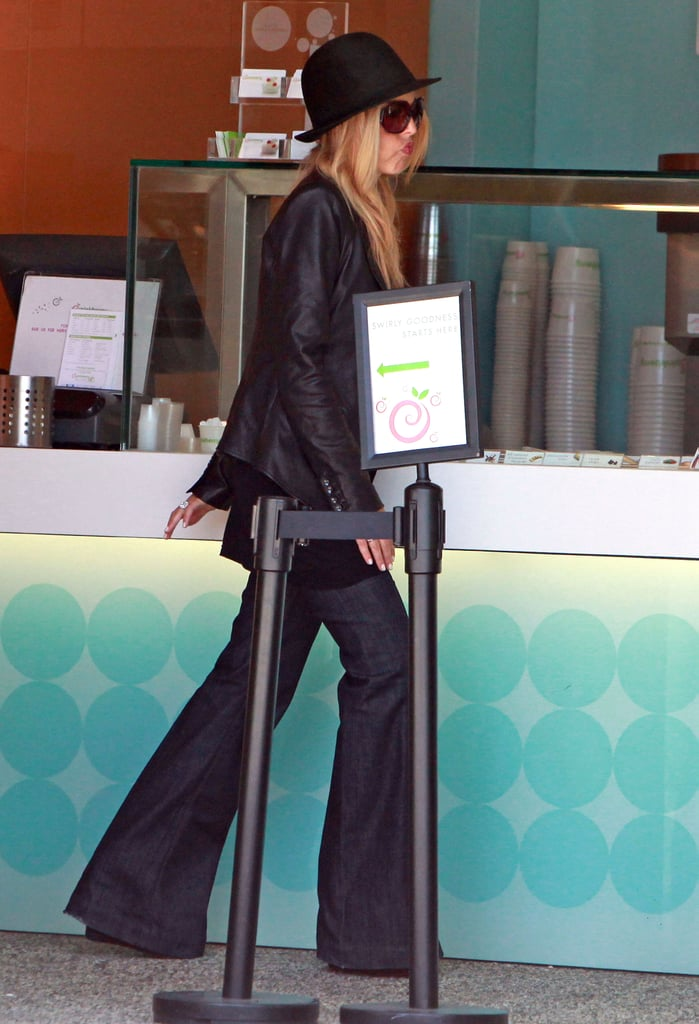 Rachel Zoe Takes Baby Skyler Out For Pinkberry!