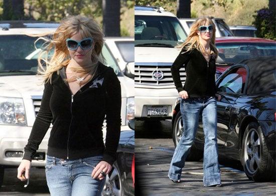 Hurray!  Britney Buys Underwear!