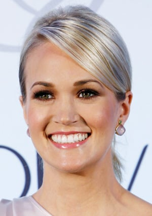 Carrie Underwood Is The New Olay Spokesperson